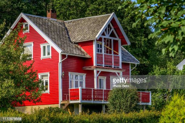 norway - no urban - nordic - nature - red house - traditionally norwegian stock pictures, royalty-free photos & images