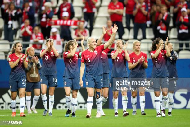 Norway players celebrate victory after the 2019 FIFA Women's World Cup France group A match between Norway and Nigeria at Stade Auguste Delaune on...