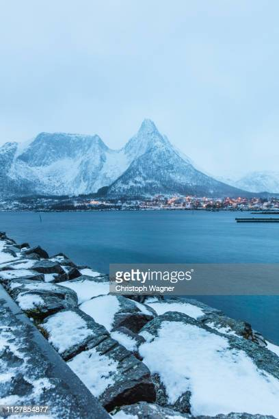 norway - senja - schnee stock pictures, royalty-free photos & images