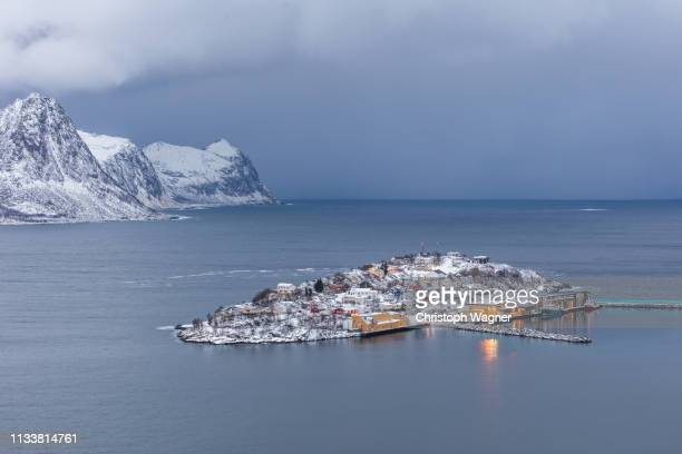 norway - senja - kreativität stock pictures, royalty-free photos & images