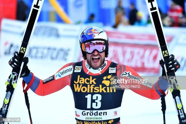 Norway's Aksel Lund Svindal reacts after competing in the FIS Alpine World Cup Men Downhill on December 16 2017 in Val Gardena Groeden Italian Alps /...