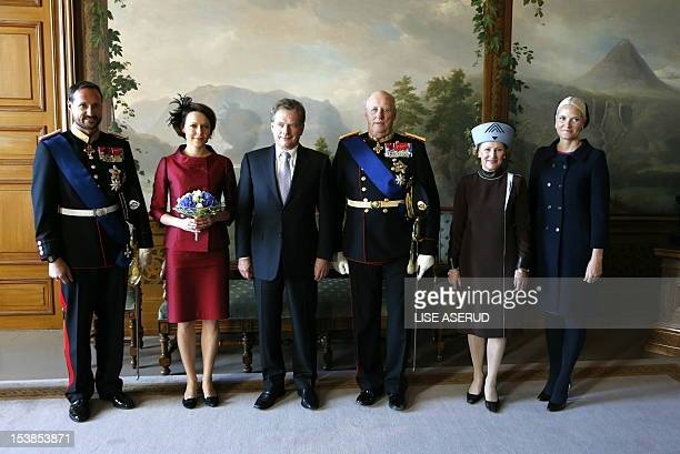 Norway's Crown Prince Haakon and his wife Crown Princess of Norway MetteMarit pose with the Finnish President Sauli Niinisto and his wife Jenni...