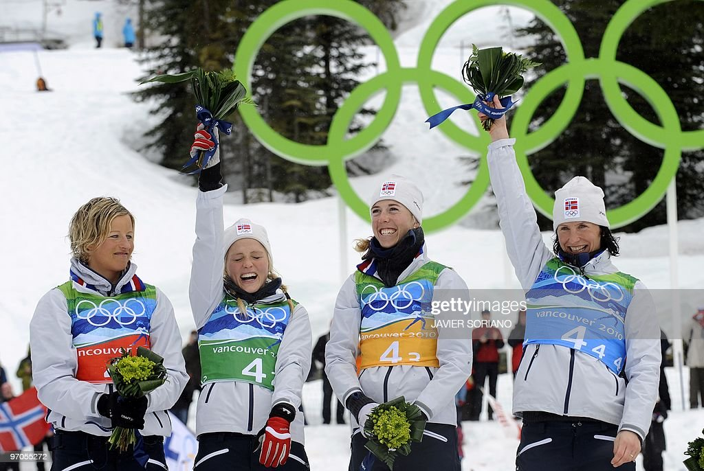 Norway's gold medalists (L-R) Vibeke W S : News Photo