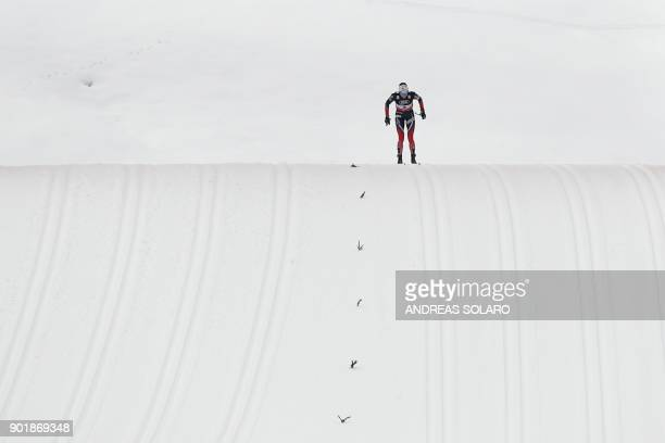 Norway's Heidi Weng competes on January 6, 2018 during the Women's Cross Country 10 km Mass Start Classic race of the FIS World cup Tour de Ski at...