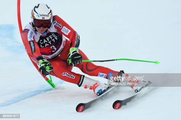 Norway's Henrik Kristoffersen competes in the FIS Alpine World Cup Men's Giant Slalom on December 17 2017 in Alta Badia Italian Alps / AFP PHOTO /...