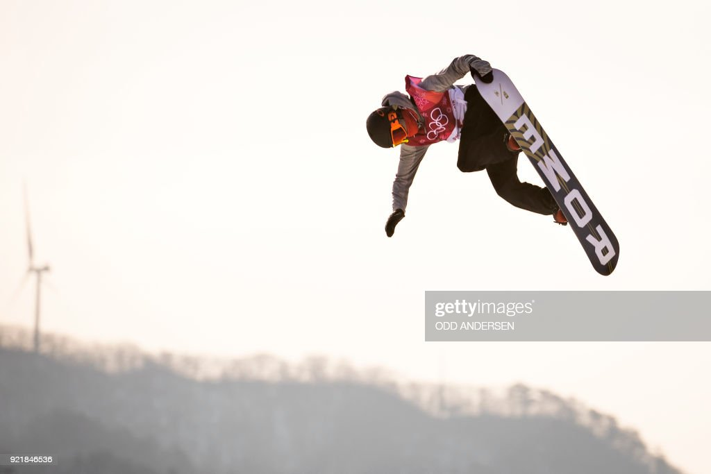Norway's Staale Sandbech competes during the qualification of the men's snowboard big air event at the Alpensia Ski Jumping Centre during the Pyeongchang 2018 Winter Olympic Games in Pyeongchang on February 21, 2018. / AFP PHOTO / Odd ANDERSEN