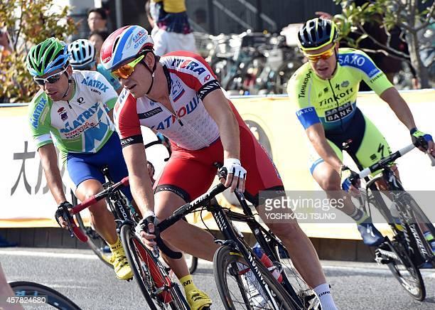 Norwegian Alexander Kristoff of Team Katusha negotiates a corner at the Saitama Criterium in Saitama, suburban Tokyo on October 25, 2014. Kristoff...