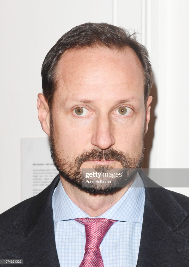 norwegian-crown-prince-haakon-visits-the-fathers-pursuit-organisation-picture-id1074321326