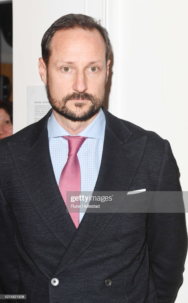 norwegian-crown-prince-haakon-visits-the-fathers-pursuit-organisation-picture-id1074321328