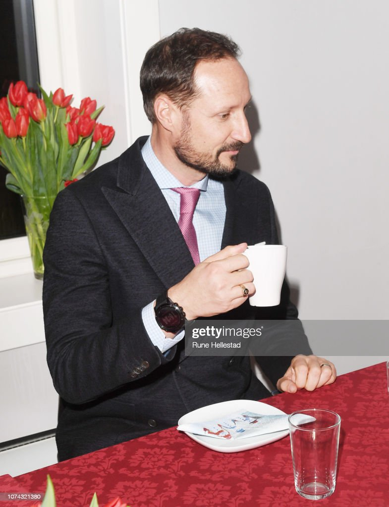 norwegian-crown-prince-haakon-visits-the-fathers-pursuit-organisation-picture-id1074321380