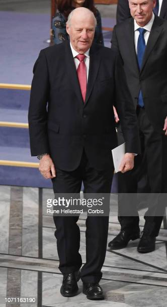 Norwegian King Harald V attends the Nobel Peace Prize ceremony 2018 at Oslo City Town Hall on December 10 2018 in Oslo Norway The Congolese...