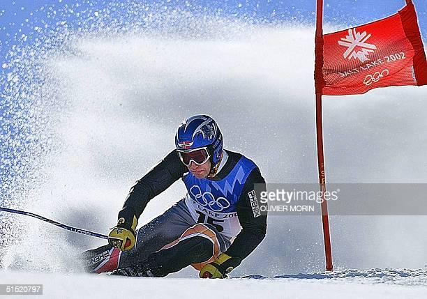 Norwegian Kjetil Andre Aamodt in action during the men's giant slalom 2nd run for the Salt Lake 2002 Winter Olympics 21 February 2002 at Park City...