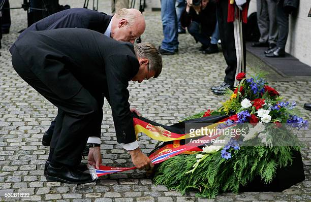 Norwegian Prime Minister Kjell Magne Bondevik and German Minister of Defense Peter Struck attend the annual commemoration ceremony for the victims of...