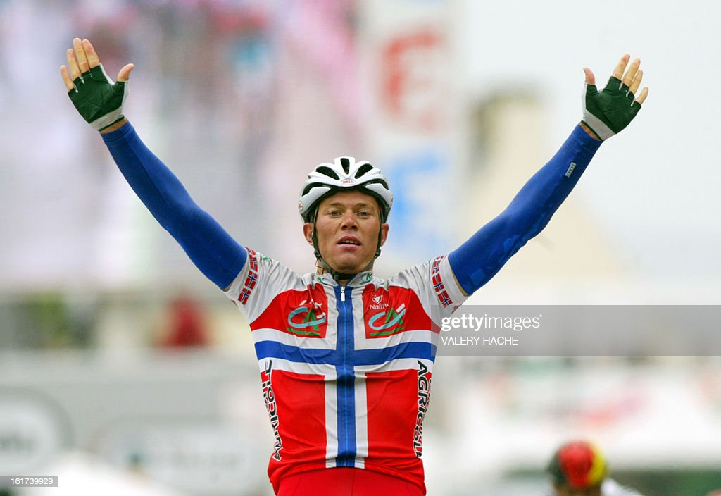 Norwegian Thor Hushovd (Credit Agricole/Fra) celebrates as he crosses the finish line and wins the eighth stage of the 91st Tour de France cycling race between Lamballe and Quimper, 11 July 2004.