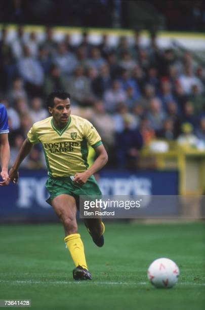 Norwich City midfielder Dale Gordon playing at Carrow Road against Millwall circa 1988