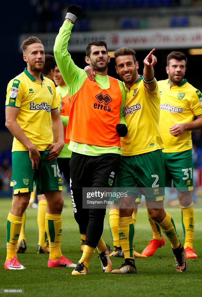 Norwich City players celebrate victory after the Sky Bet Championship match between Ipswich Town and Norwich City at Portman Road on October 22, 2017 in Ipswich, England.