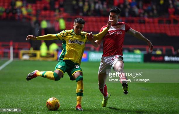 Norwich City's Max Aarons and Bristol City's Callum O'Dowda during the Sky Bet Championship match at Ashton Gate Bristol
