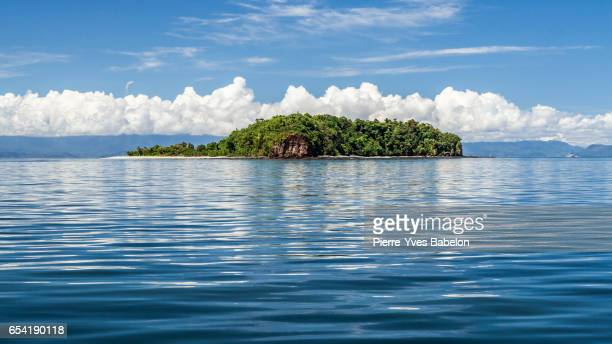 nosy tanikely island - pierre yves babelon madagascar stock pictures, royalty-free photos & images