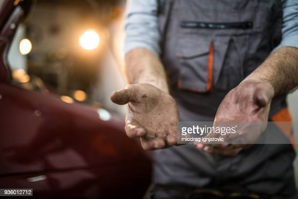 not wearing protective gloves makes hands dirty - human finger stock pictures, royalty-free photos & images
