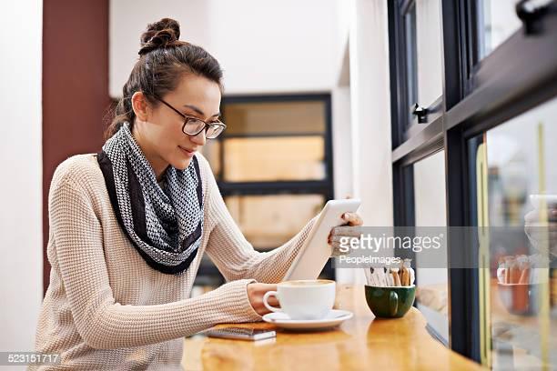 Nada se compara con café y un buen libro