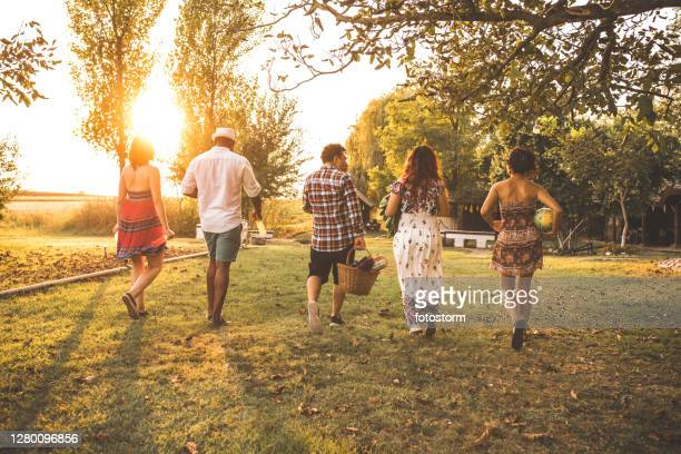 nothing can compare to a fabulous summer picnic with your friends - mexican picnic stock pictures, royalty-free photos & images