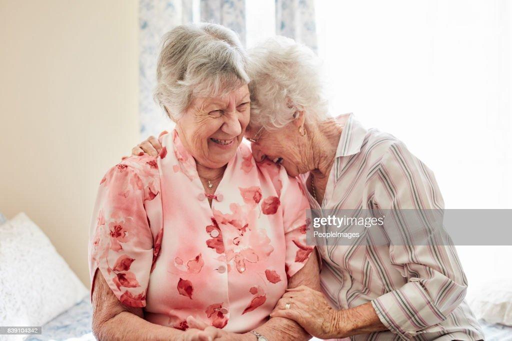 Nichts begeistert Glück wie ein guter alter Freund : Stock-Foto