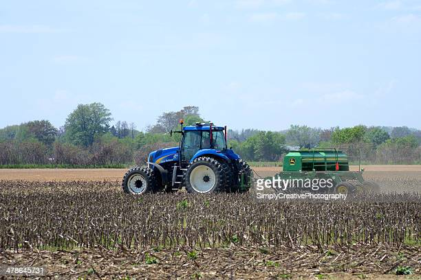 no-till seed planter - john deere tractor stock photos and pictures