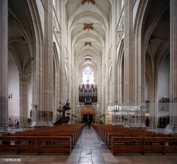notre dam church - kathedrale von nantes stock-fotos und bilder