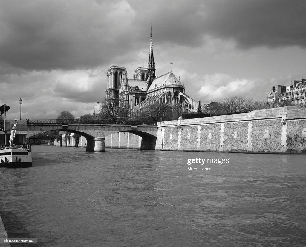 Notre Dame Cathedral and Seine River (B&W) : Foto stock