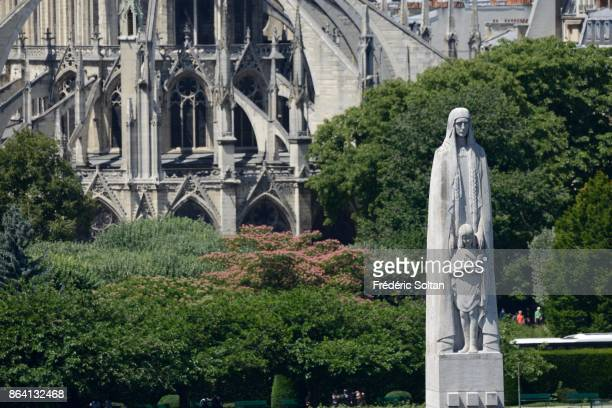 Notre Dame de Paris The Catholic cathedral Notre Dame de Paris on the edges of the Seine on June 16 2017 in Paris France
