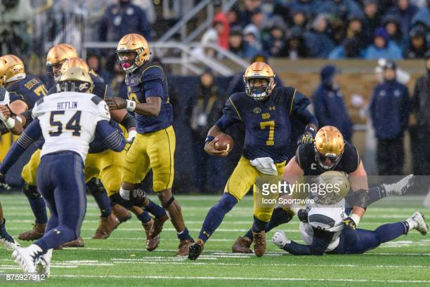 Notre Dame Fighting Irish quarterback Brandon Wimbush runs the ball in the 2nd quarter during a college football game between the Navy Midshipmen and...