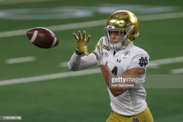 Notre Dame Fighting Irish safety Kyle Hamilton warms up prior to the College Football Playoff Semifinal Rose Bowl Game between Notre Dame and Alabama...