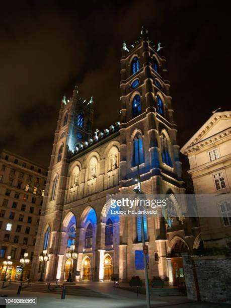 notre-dame basilica, basilique notre-dame de montréal - vieux montréal stock pictures, royalty-free photos & images