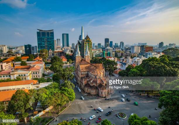 notre-dame cathedral basilica of saigon, officially cathedral basilica of our lady of the immaculate conception is a cathedral located in the downtown of ho chi minh city, vietnam - ho chi minh city stock pictures, royalty-free photos & images