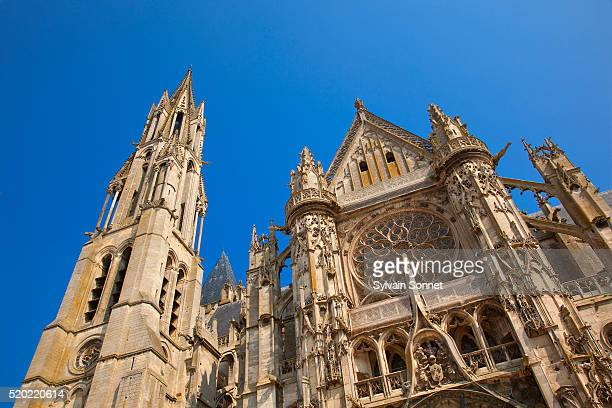 notre-dame cathedral in senlis - oise stock pictures, royalty-free photos & images