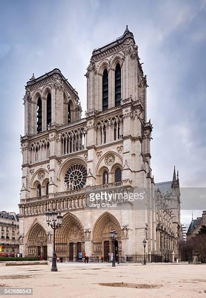 notre-dame cathedral - パリ ノートルダム大聖堂 ストックフォトと画像