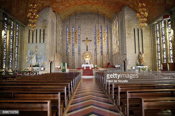 notre-dame de fatima church. - notre dame de fatima photos et images de collection