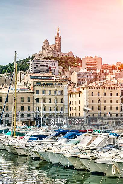 notre-dame de la garde from the vieux port of marseille - pjphoto69 個照片及圖片檔