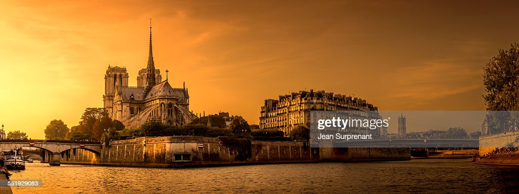 Notre-dame de Paris : Stock Photo