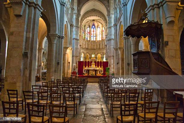 notre-dame in beaune, france - nave stock pictures, royalty-free photos & images