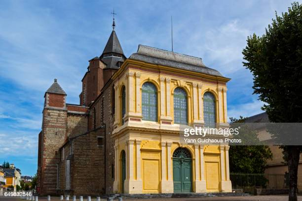 notre-dame-de-la-sède cathedral,tarbes, hautes pyrenees,france - タルブ ストックフォトと画像