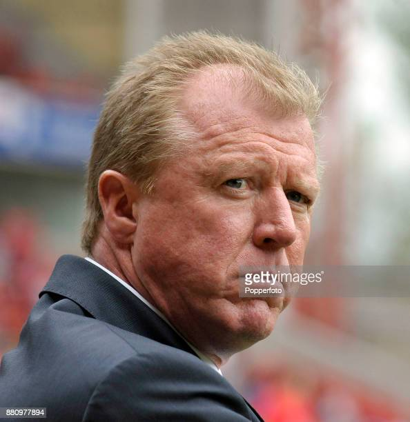 Nottingham Forest manager Steve McLaren looks on during the Npower Championship match between Nottingham Forest and Leicester City at the City Ground...