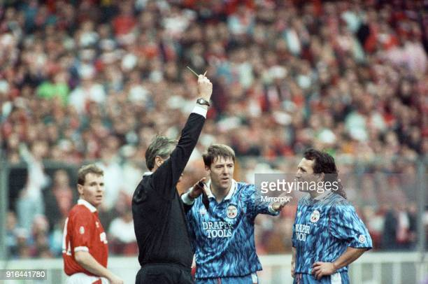 Nottingham Forest vs Southampton Zenith Data Cup final at Wembley 1992. Nottingham Forest won 3-2 after extra time with two goals from Scot Gemmill...