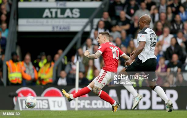 Nottingham Forest's Barrie McKay goes close during the Sky Bet Championship match between Derby County and Nottingham Forest at the Pride Park...