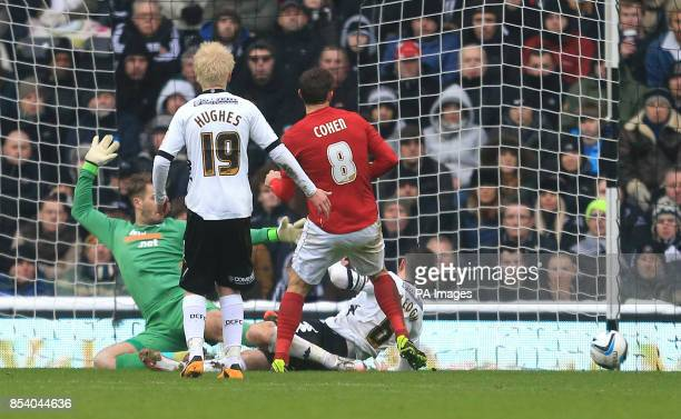 Nottingham Forest's Chris Cohen scores the opening goal during the npower Championship match at Pride Park Derby