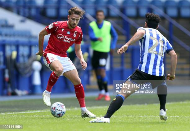 Nottingham Forest's Matty Cash under pressure from Sheffield Wednesday's Massimo Luongo during the Sky Bet Championship match between Sheffield...