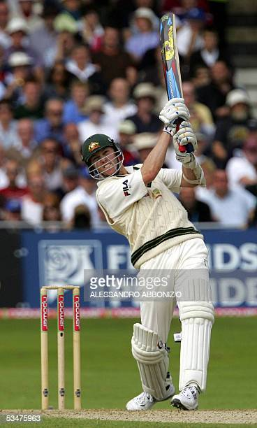 Nottingham, UNITED KINGDOM: Australia's Brett Lee bats against England on the fourth day of the fourth NPower Ashes Test match at Trent Bridge...