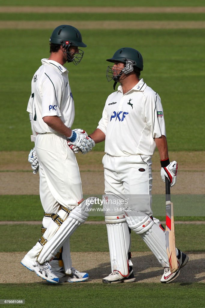 Nottinghamshire's Andre Adams (right) and Charlie Shreck