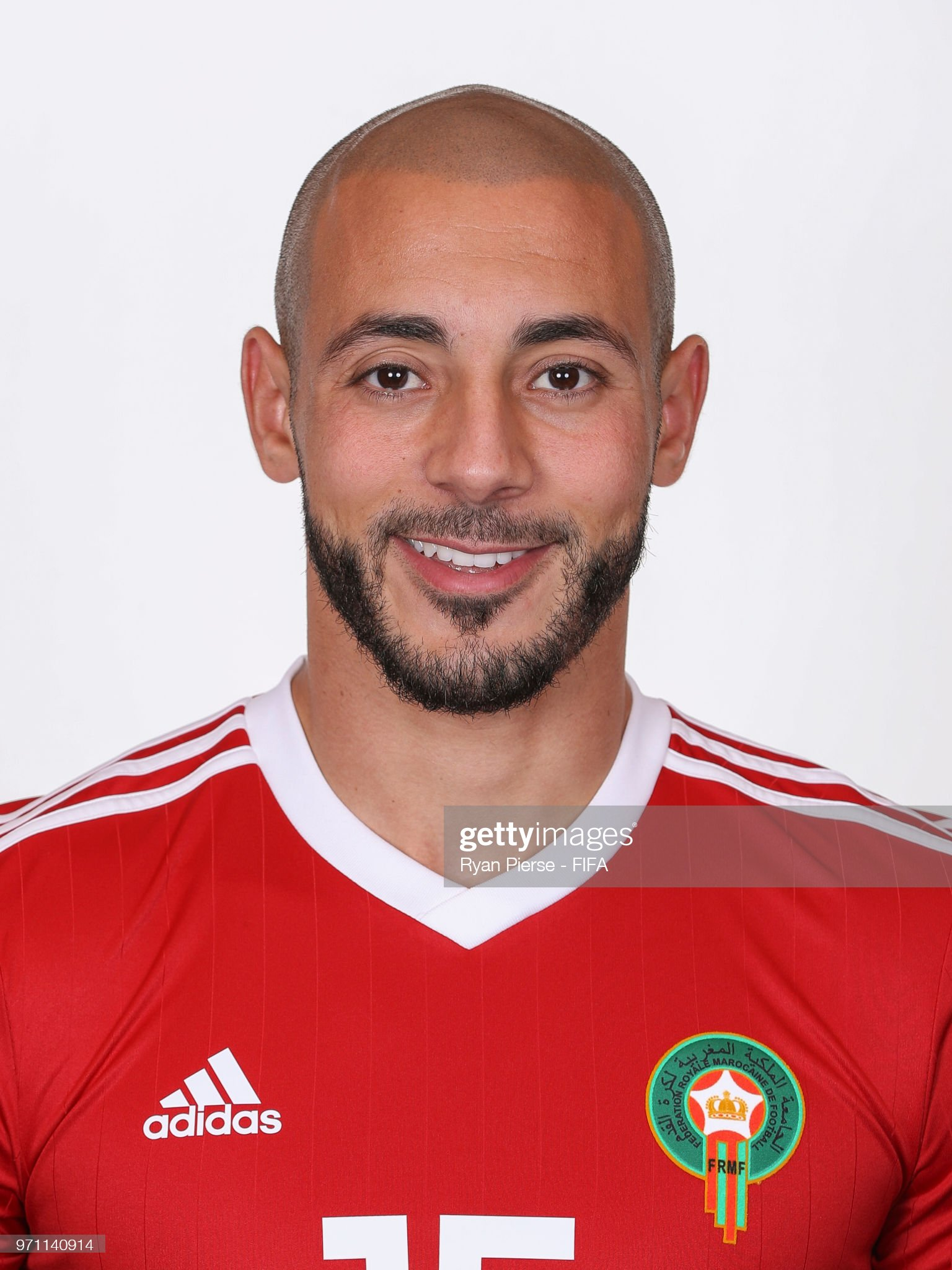 Norteafricanos Noureddine-amrabat-of-morocco-poses-during-the-official-fifa-world-picture-id971140914?s=2048x2048