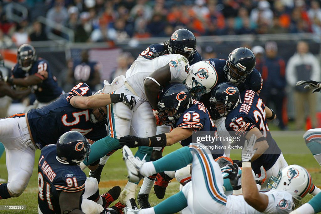 NFL: Dolphins at Bears 31-13 : News Photo